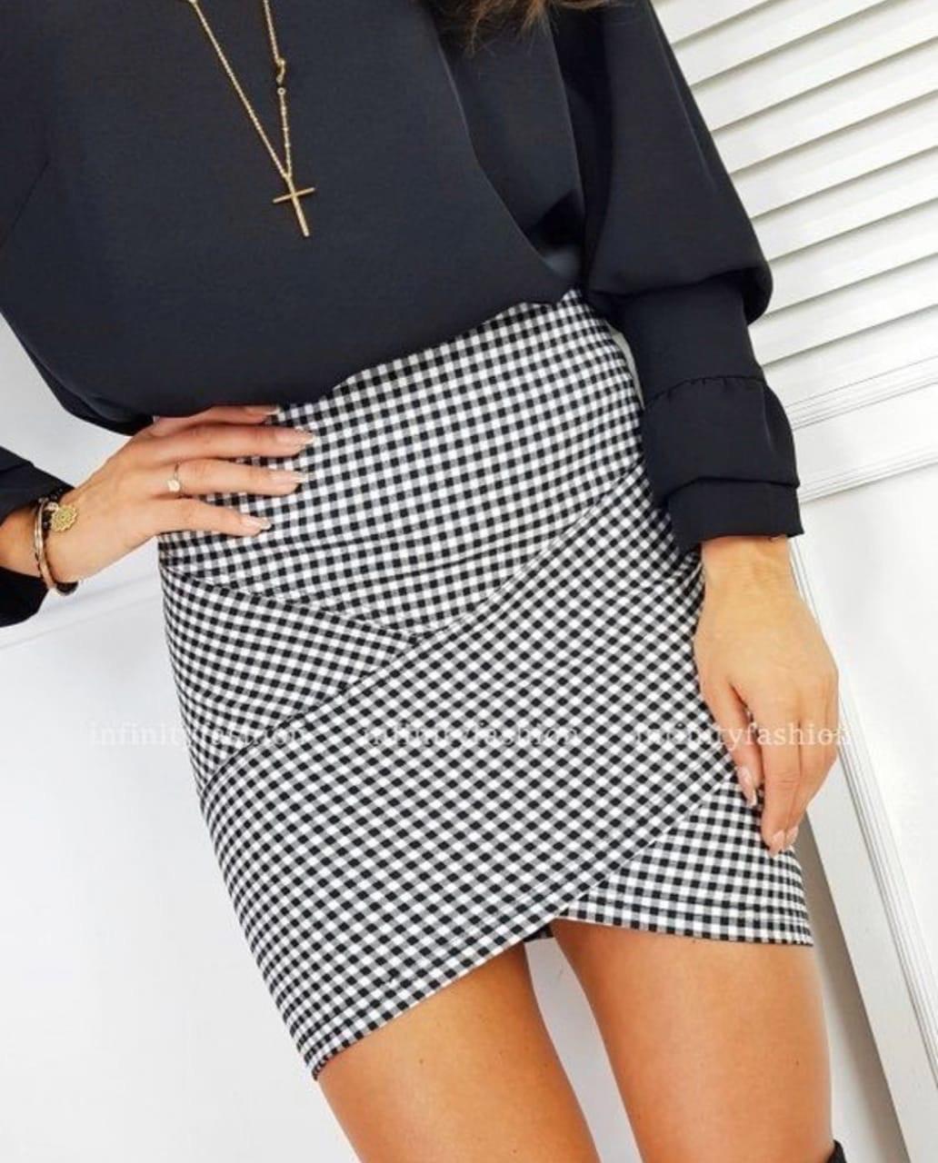 Женская стильная трикотажная мини юбка