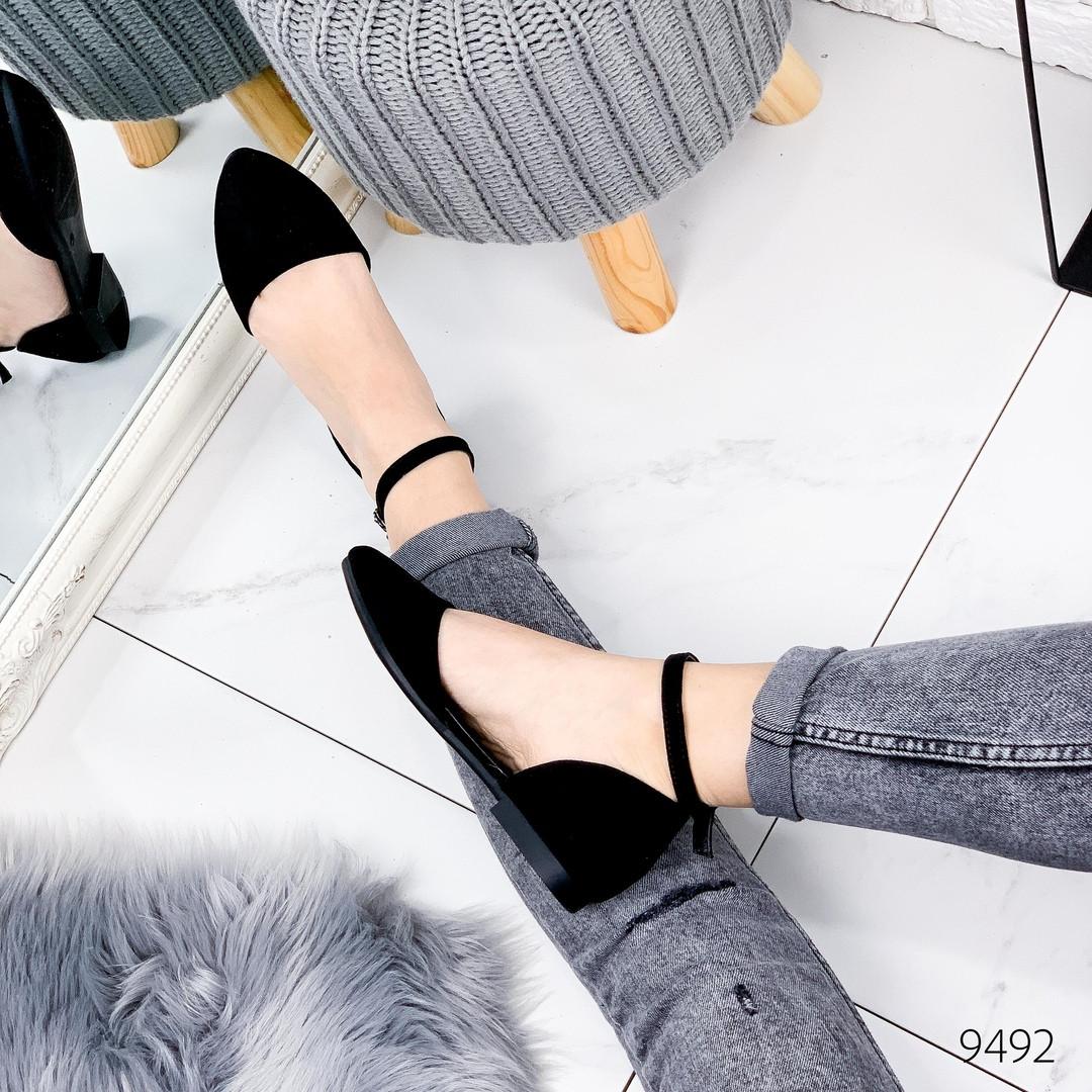Женские замшевые открытые туфли лодочки балетки с ремешком на низком каблуке черные