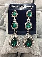 Серьги роскошные на серебре три капли с зелеными камнями, бижутерия вечерняя
