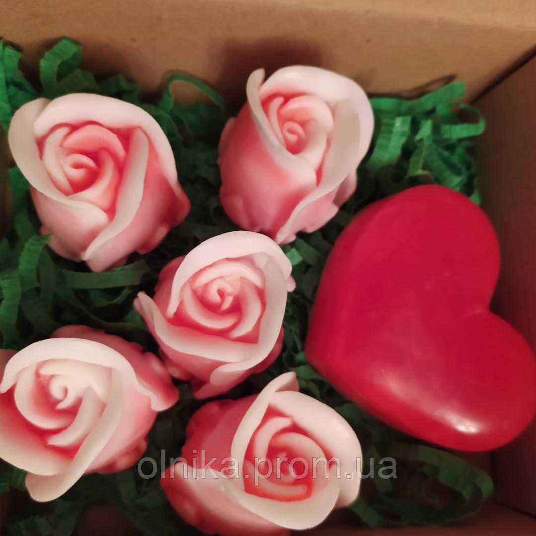"""Мыльный букет ручной работы """"Розы с сердцем"""""""