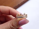 Золотое кольцо в виде короны с белыми камнями, фото 9