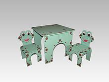 Стол квадратный и 2 стула Лягушата (221)