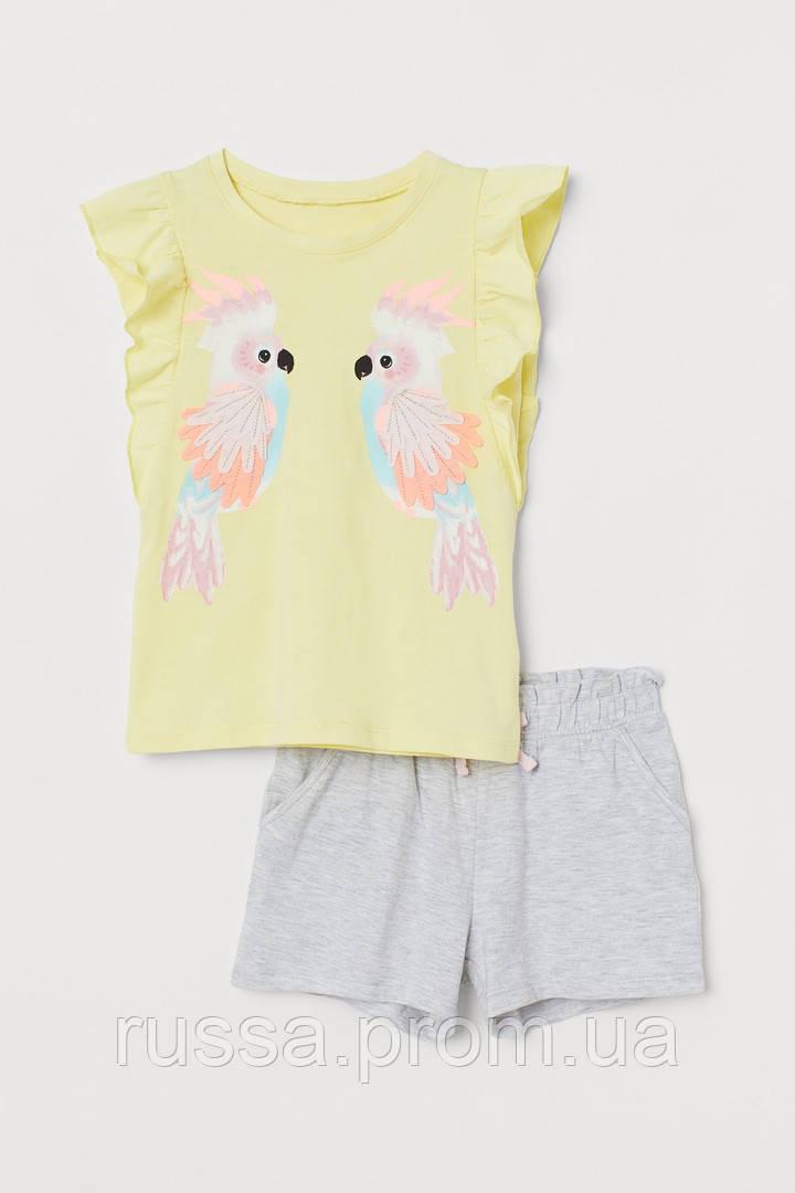 Летний яркий костюм для девочки шорты и футболка