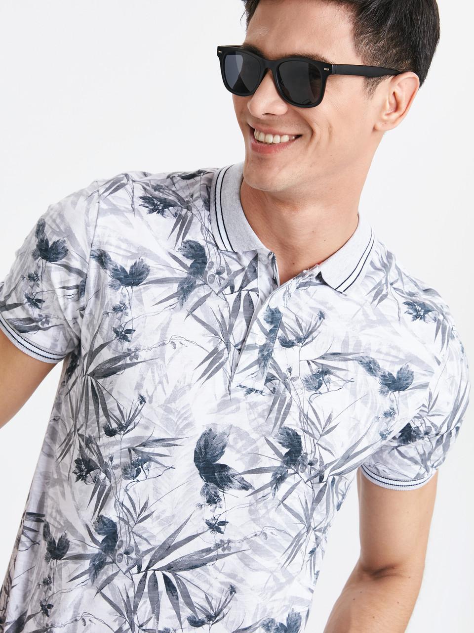 Белое мужское поло LC Waikiki / ЛС Вайкики с серым лиственным принтом