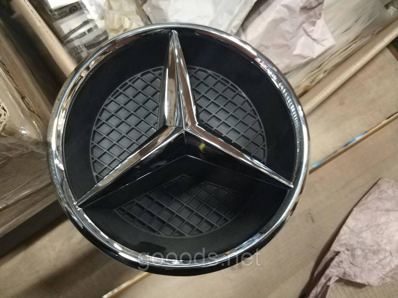 Эмблема в решетку радиатора Mercedes CLS-class C218