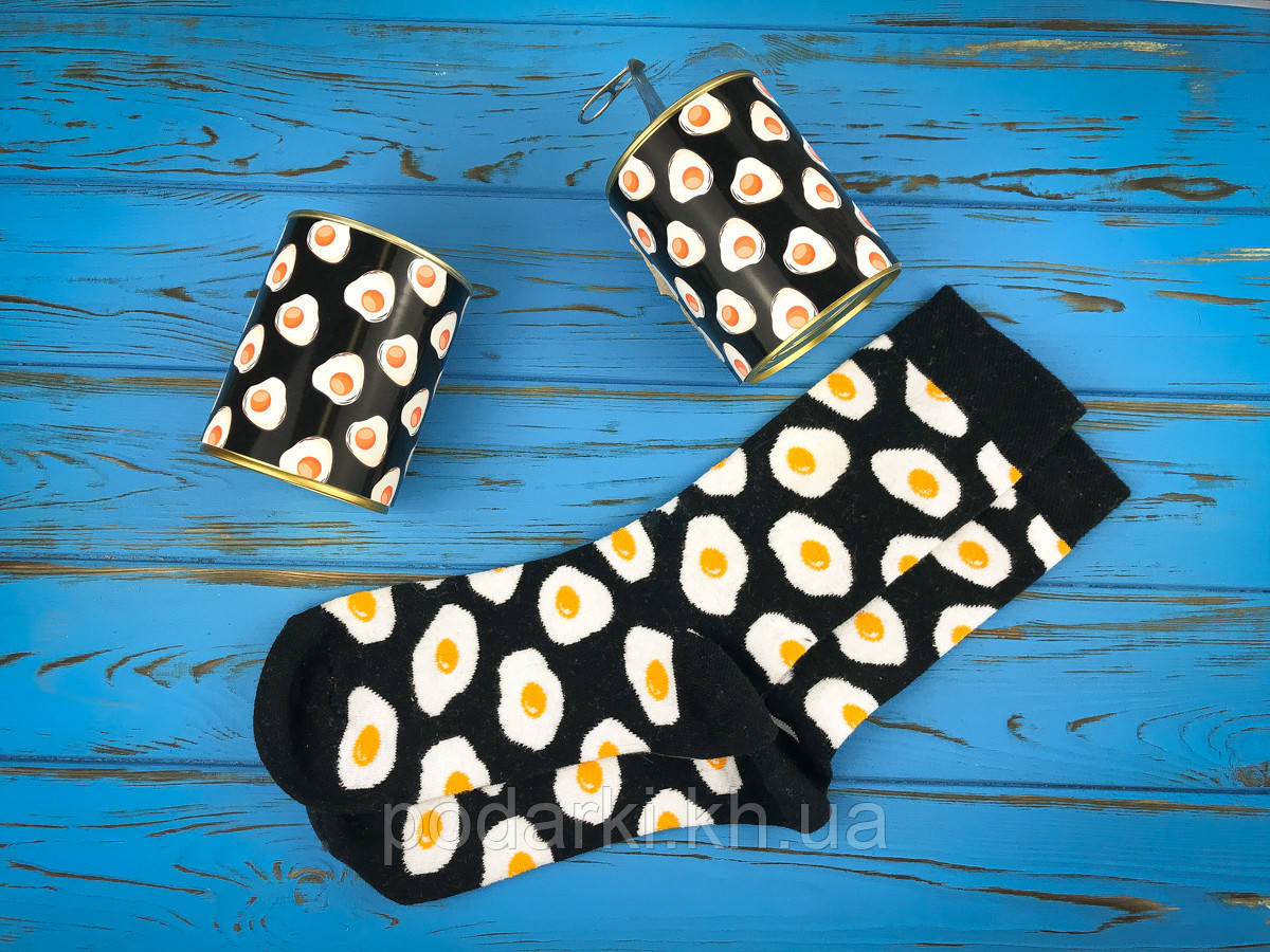 Консервованные носочки с ярким принтом