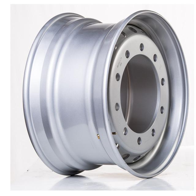 Вантажні колісні диски R22.5