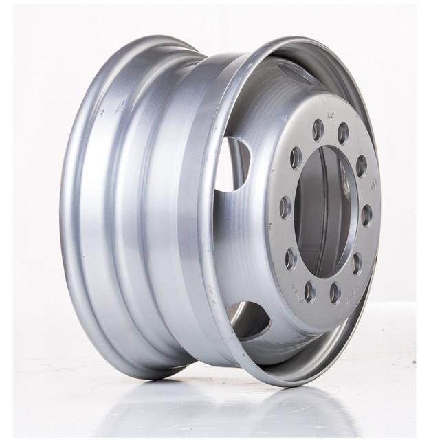 Вантажні колісні диски R17.5