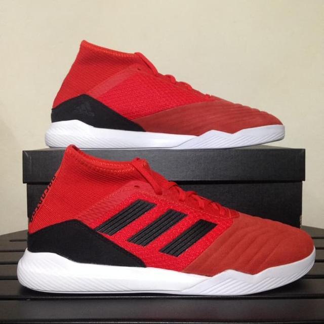 muzhskie-futzalki-adidas-0q00b9-oiu22yt1