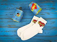 Консервовані шкарпетки для чоловіка Love is...