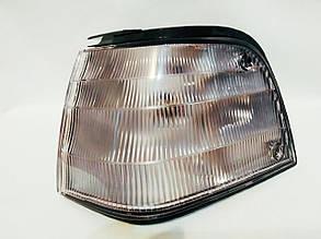 Левый фонарь габаритный Мазда 323 с 1987- белый без желтой вставки (eur) с патроном без лампы / MAZDA 323 (198