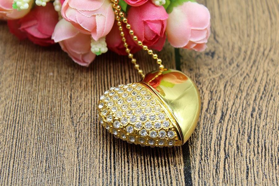 Флешка у вигляді серця 32 Гб USB 3.0 швидкісна золота з камінням і ланцюжком є ОПТ