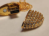 Флешка у вигляді серця 32 Гб USB 3.0 швидкісна золота з камінням і ланцюжком є ОПТ, фото 3
