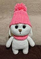 Вязаная игрушка ручной работы Зайка в шапке 18 см