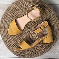 Женские босоножки на невысоком каблуке Натуральный велюр Возможен  в других цветах велюра, замши и кожи, фото 1