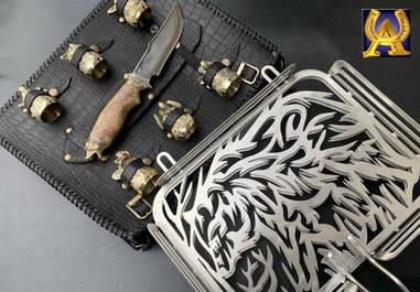 Решетка Медведь с ножом и стопками