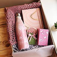 Подарок девушке с термобутылкой на 8 марта