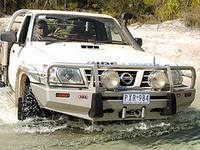 Силовой бампер для грузовых платформ NIssan Patrol 2007 года с фендерами и возможностью установки лебедки