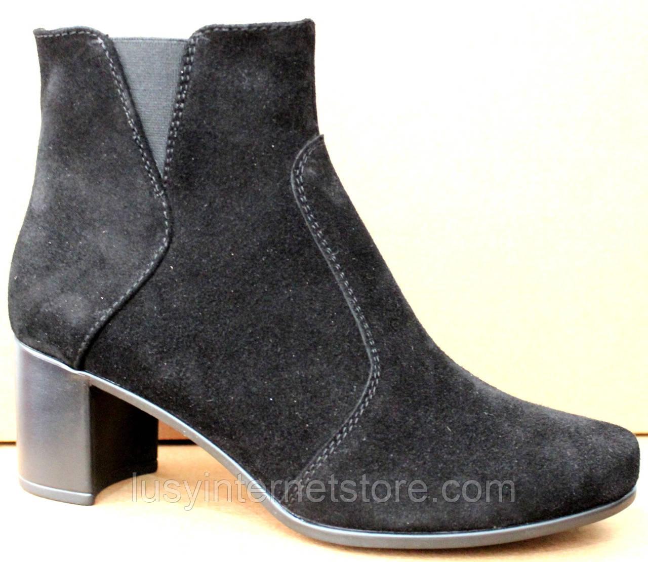 Черевики жіночі чорні замшеві туфлі на підборах від виробника модель ШБ14Д-1