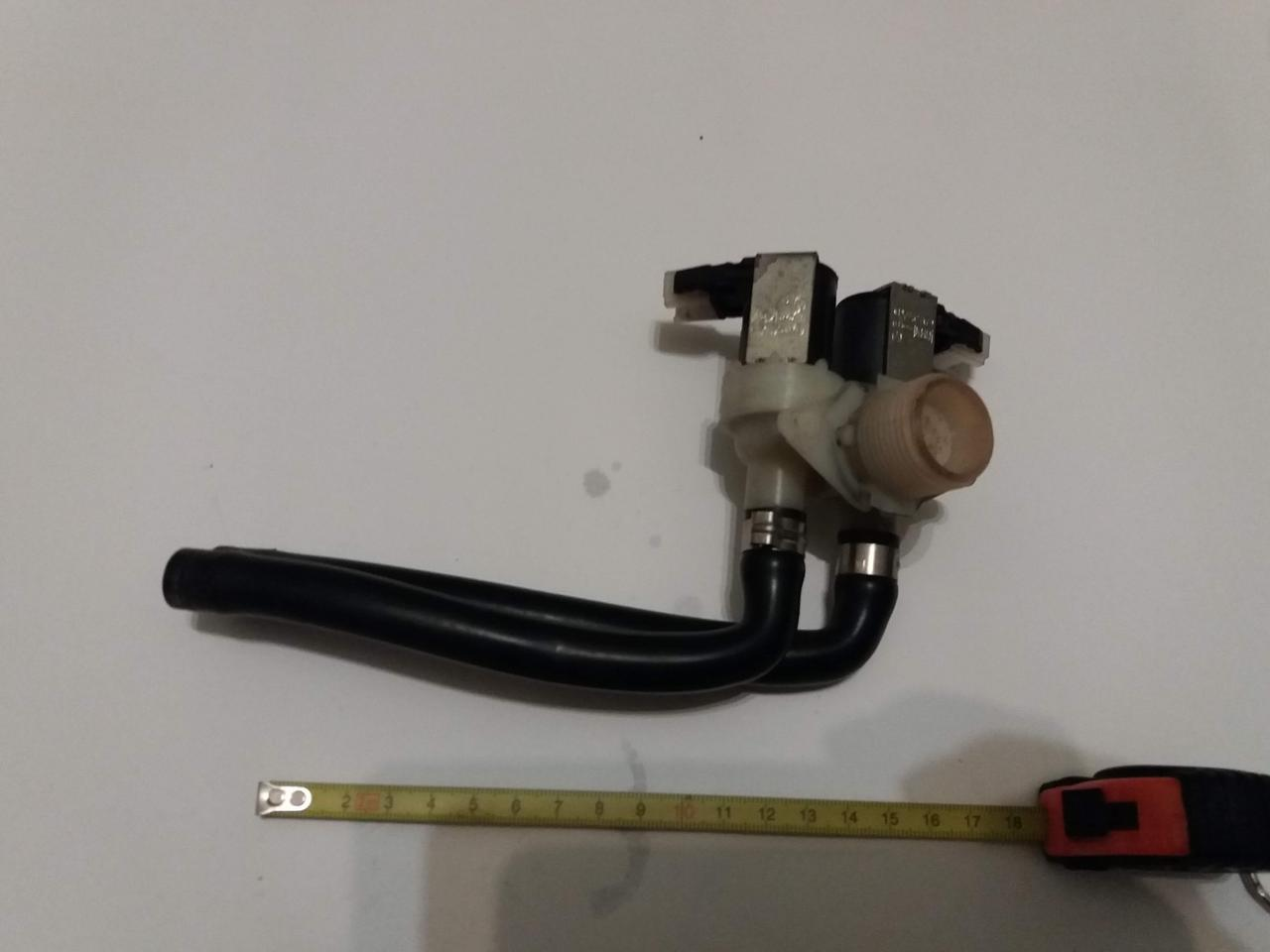 Клапан стиральной машины впускной для набора воды Indesit Whirlpool б/у