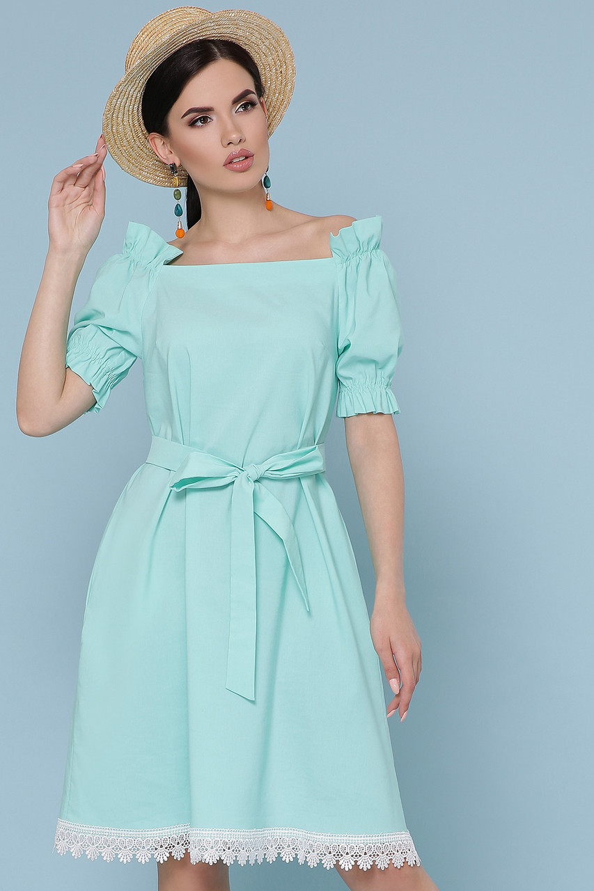 Платье летнее с открытыми плечами мятное Бланка