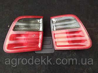 Задние фонари MERCEDES 210 820 74 64 (универсал)