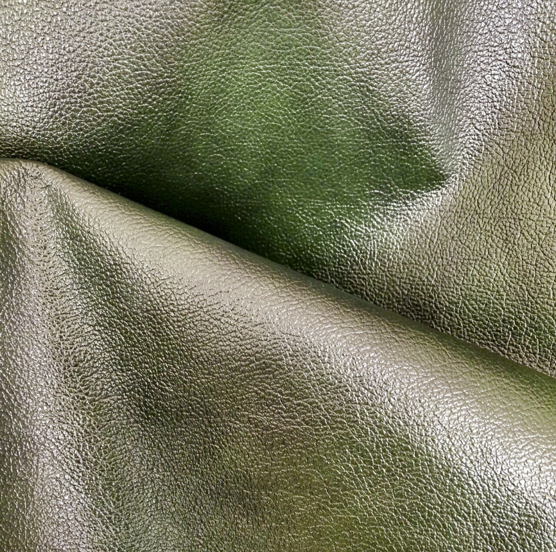 Мебельная кожа. Зеленая антик