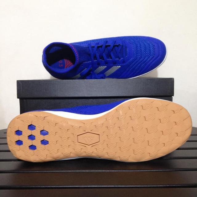 muzhskie-futzalki-adidas-0q0w09-22ooiur1