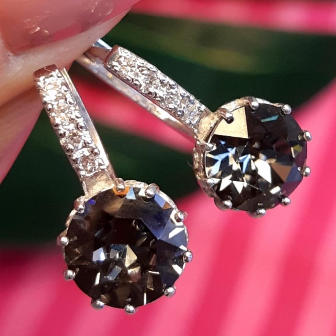Серебряные серьги с кристаллами Сваровски - Серебряные серьги с темными камнями
