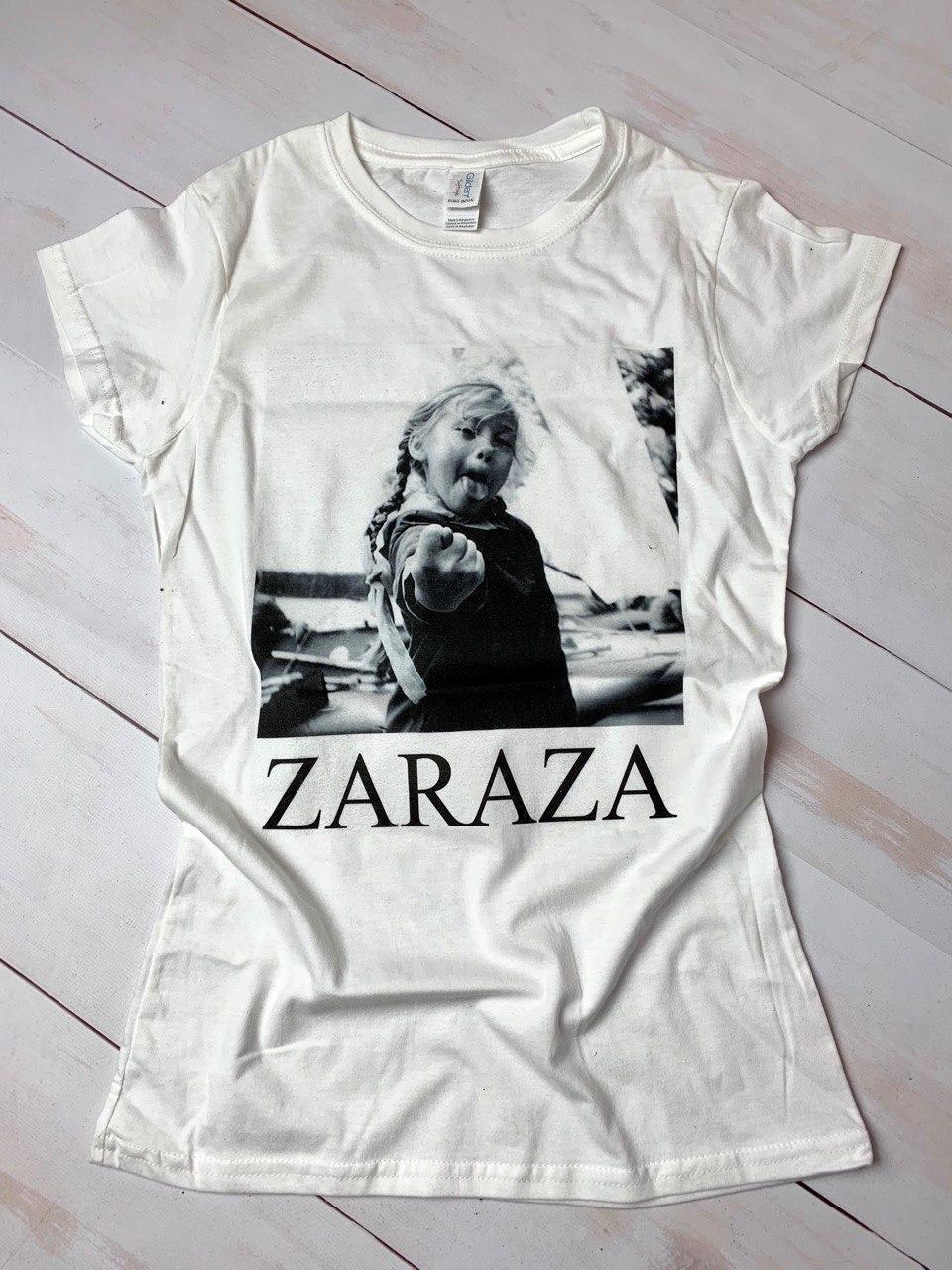 Футболка женская с принтом ZARAZA, цвет белый, размер S.