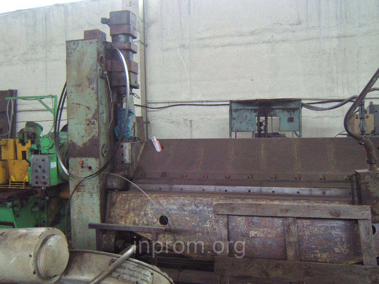 Пресс листогибочный ИВ2144 с поворотной балкой, ширина 2,5м, толщина 4,5мм