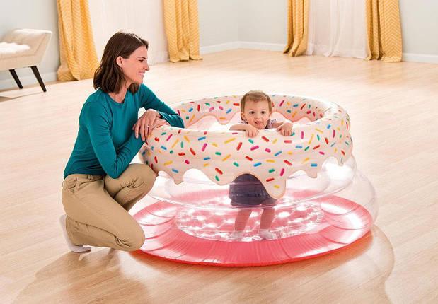 Надувной манеж Пончик Intex 48476 детский игровой центр-манеж от 9 до 18 месяцев удобный и безопасный, фото 2