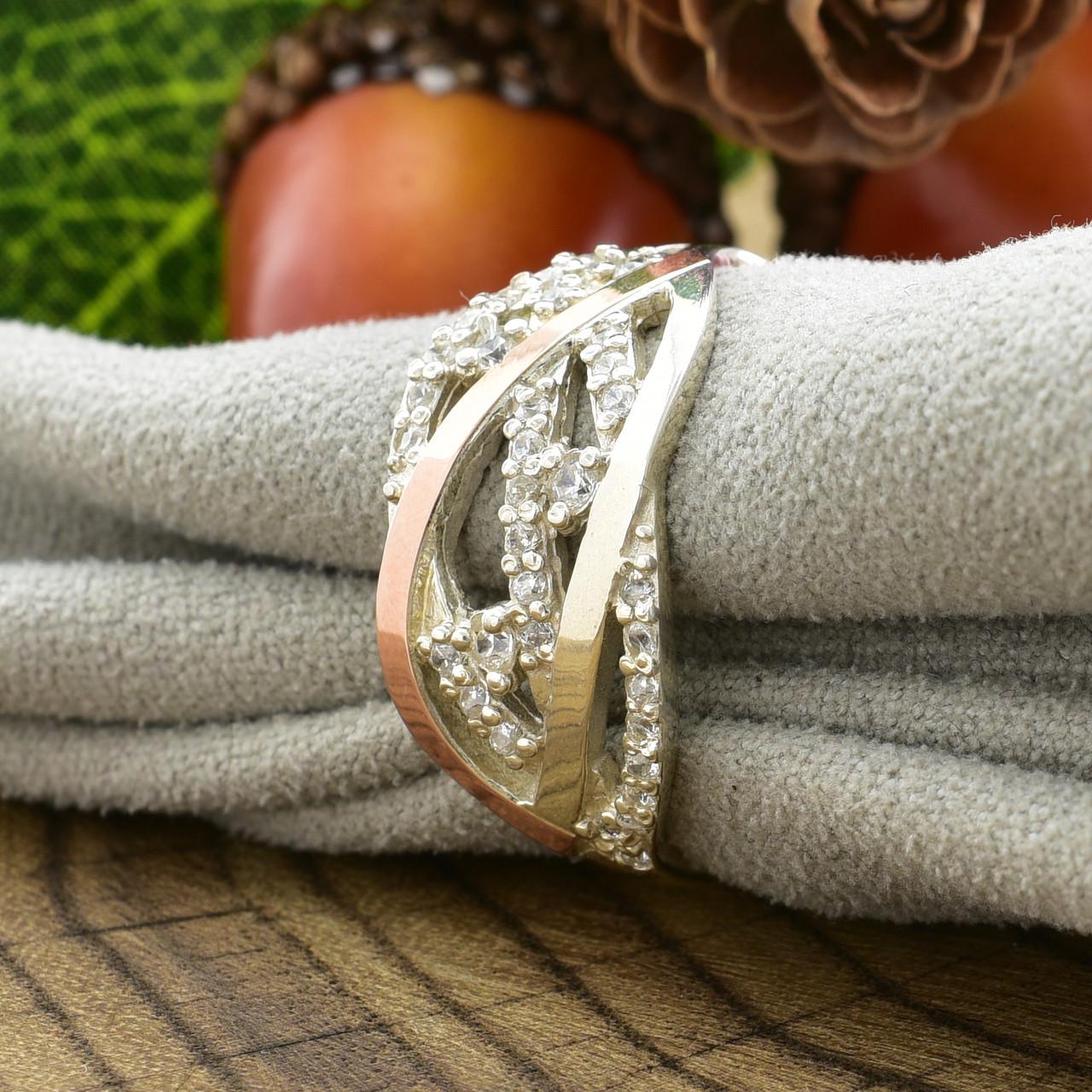 Серебряное кольцо с золотом Ольвия вставка белые фианиты вес 3.15 г размер 21.5