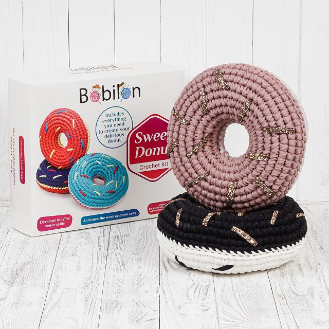 Набор для вязания Пончик Bobilon с золотой присыпкой