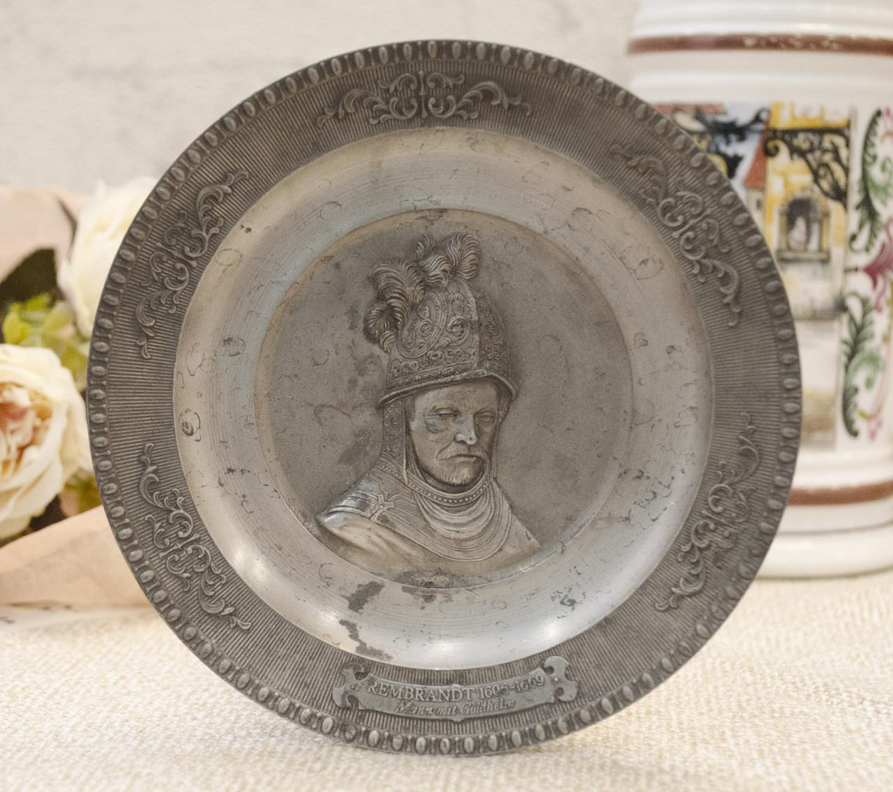 """Коллекционная оловянная тарелка с """"Рыцарем в золотом шлеме"""" от Рембрандта, олово, Германия"""