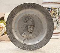 """Коллекционная оловянная тарелка с """"Рыцарем в золотом шлеме"""" от Рембрандта, олово, Германия, фото 1"""