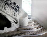 Винтовая классическая лестница из мрамора