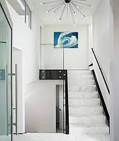 Современная прямая лестница из мрамора