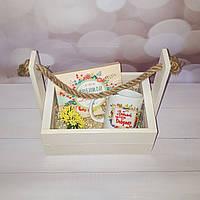 """Подарочный набор """"Любимой бабушке"""" в белом деревянном ящике"""