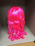 Парик карнавальный с челкой длинные локоны розовый  55см, фото 3