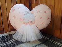 Интерьерная подушка ручной работы из натуральных тканей — Сердце с платьем