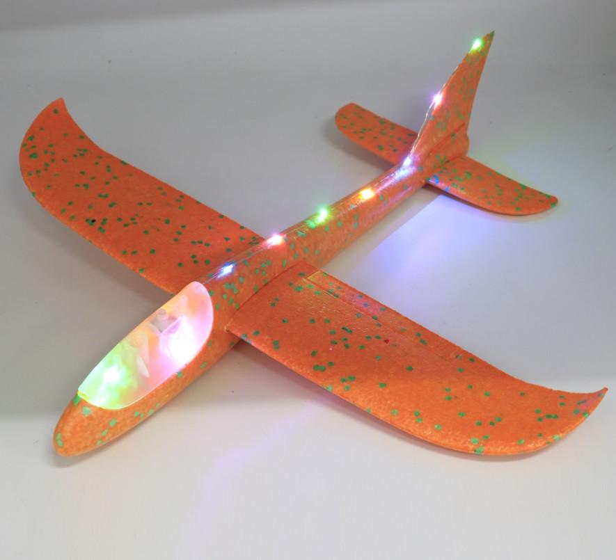Метательный самолет планер светящийся по всей длине