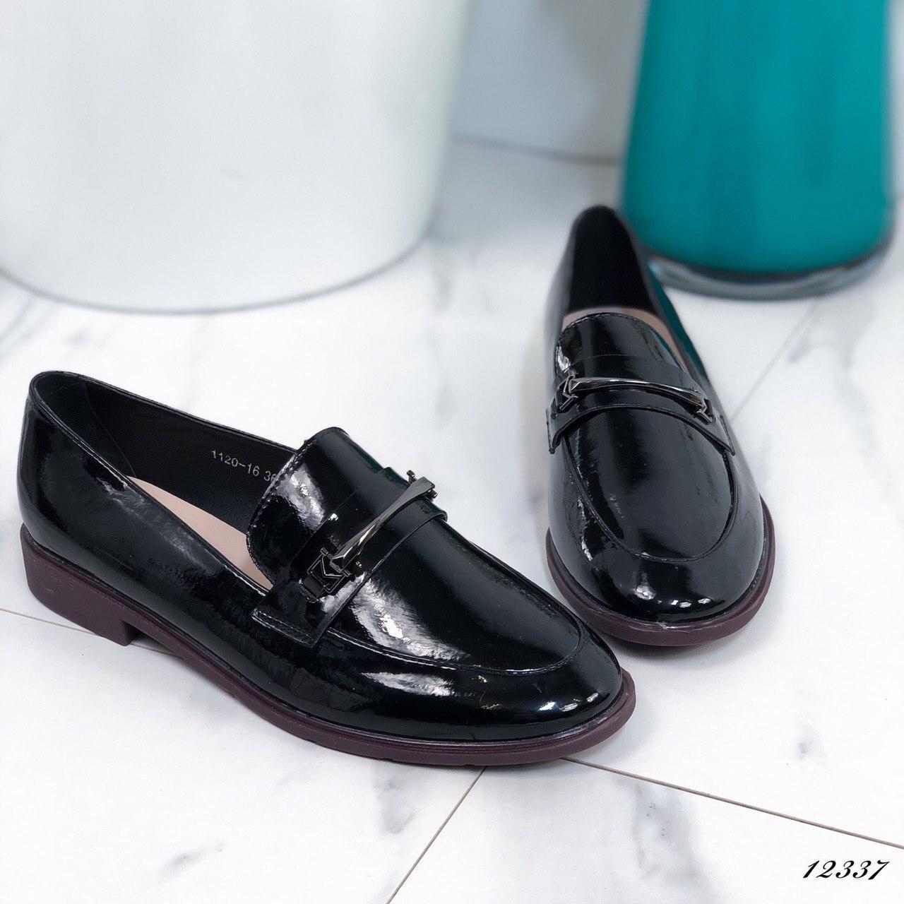 Женские туфли лоферы лаковые черные, 37 размер