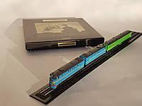 Подарочный набор с тепловозом ТЭ7 и пассажирским вагоном, масштаба Z, 1:220