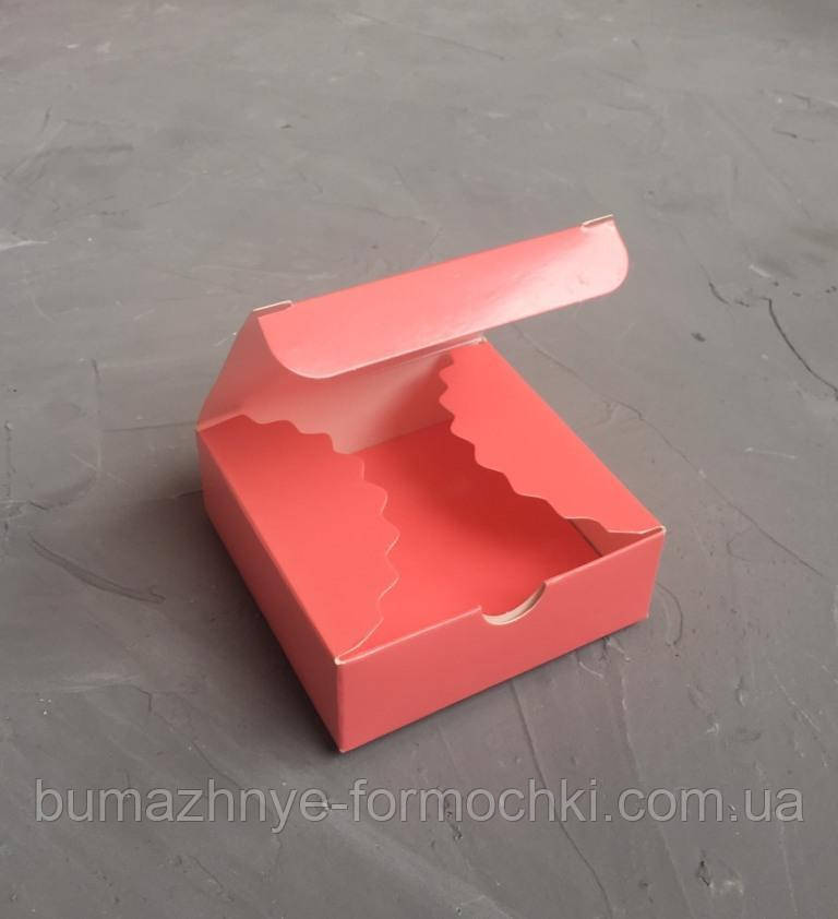 Мини-бокс кораллового цвета, 83х83х30.