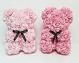 Мишка из латексных 3D роз 25 см с лентой в подарочной коробке много цветов, фото 2