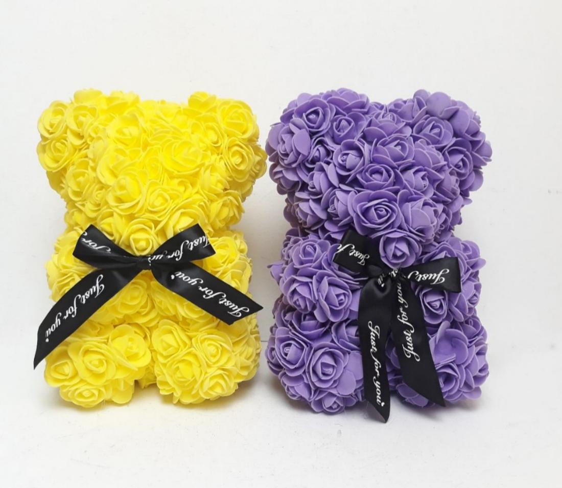 Мишка из латексных 3D роз 25 см с лентой в подарочной коробке много цветов