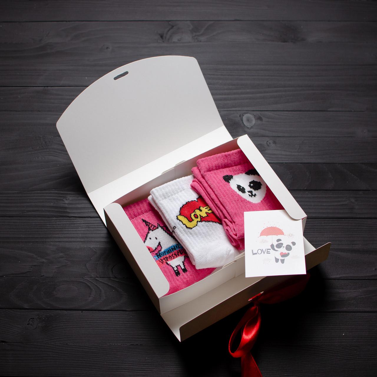Подарунковий жіночий набір шкарпетки 3 шт. Love is, рожевий Єдиноріг, Панда рожевий