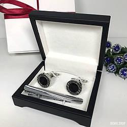 """Чоловічий набір запонки та затискачі для краватки """"Sfinks"""" Premium, сріблястий в коробочці з білим оксамитом."""