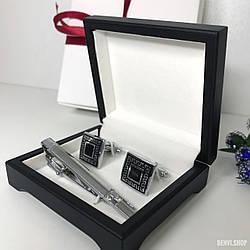 """Чоловічий набір запонки та затискачі для краватки """"Інді"""" Premium, сріблястий в коробочці з білим оксамитом."""